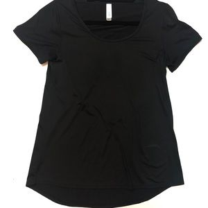 XS solid black Classic Tee